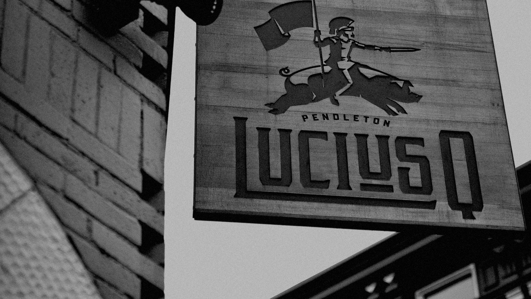 LuciusQ_03_Sign_BW